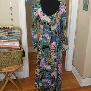 VTG Gorgeous Paint Scened Buttondown Maxi Dress